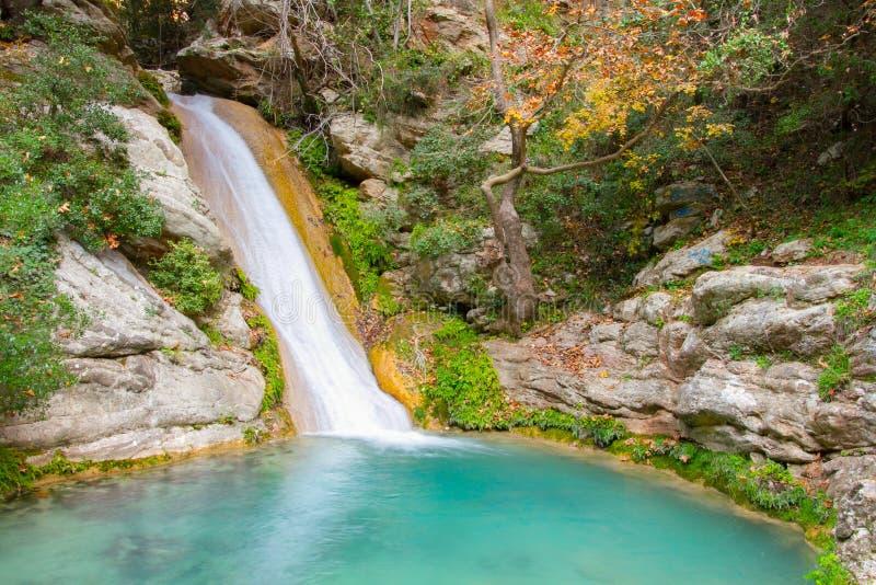 Neda Waterfall i Grekland arkivbilder