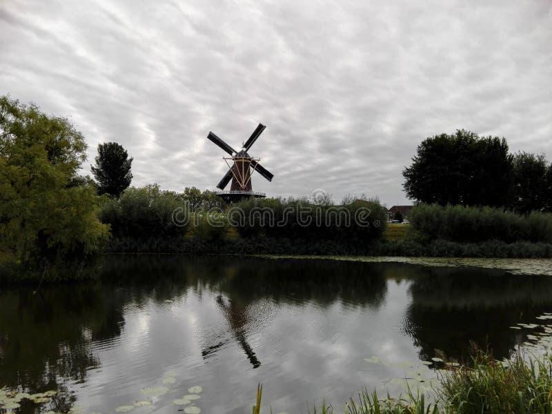 Nederlandse molen royalty-vrije stock afbeelding