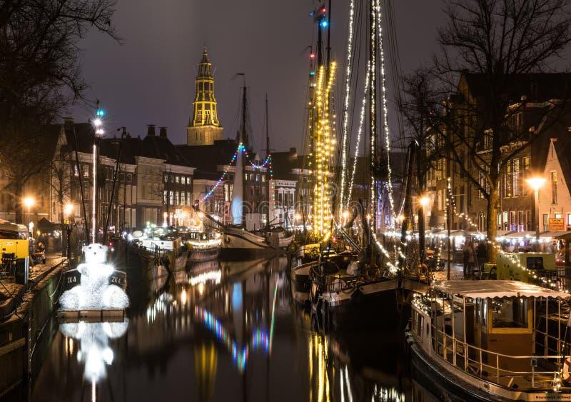 Nederlandse 's nachts stad stock afbeeldingen