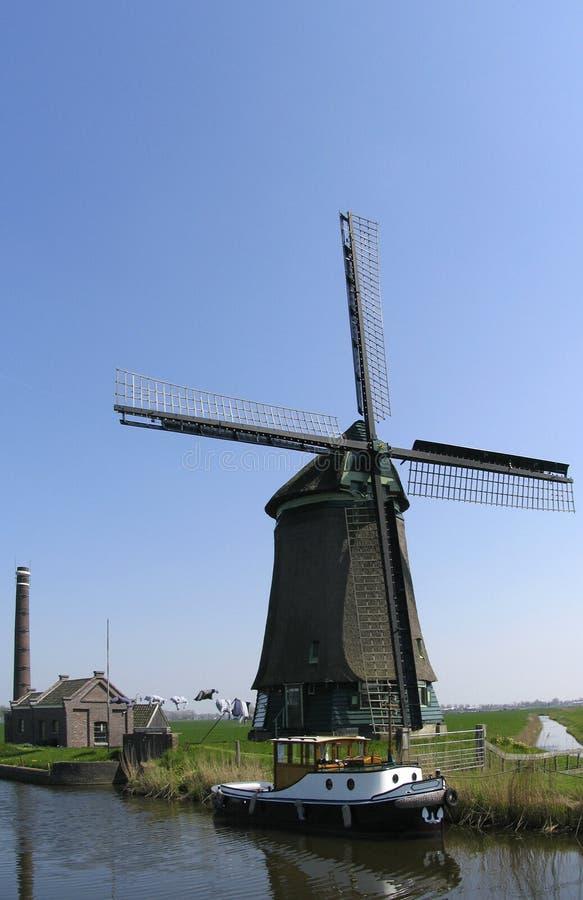 Nederlandse windmolen 9 stock afbeeldingen