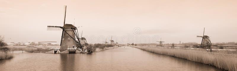 Nederlandse windmolens royalty-vrije stock fotografie