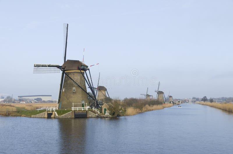 Nederlandse windmolens stock foto's