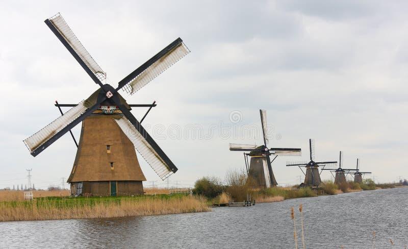 Download Nederlandse windmolens stock foto. Afbeelding bestaande uit symbolisch - 39110488