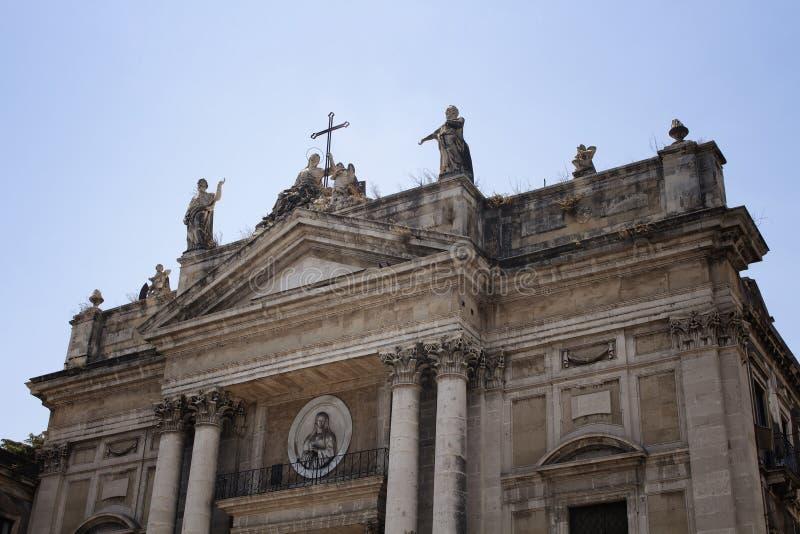 Nedersta sikt av kyrkan av San Biagio i Catania fotografering för bildbyråer
