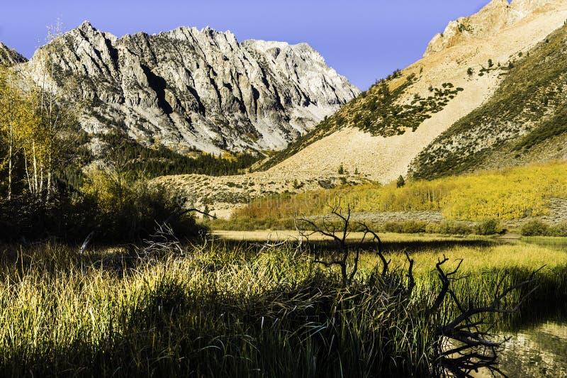 Nedgång norr sjö, nära biskop, Kalifornien arkivfoto