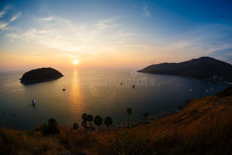 Nedgång på havet phuket Thailand arkivfoto
