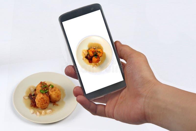 Neem foto braadde hard-gekookte eieren met tamarindesaus voor aandeel royalty-vrije stock afbeelding