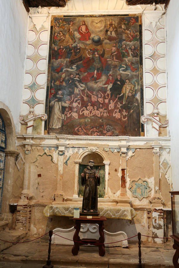 Nef et autel principaux dans l'église de cathédrale de St Mary de Betancuria à Fuerteventura, photographie stock