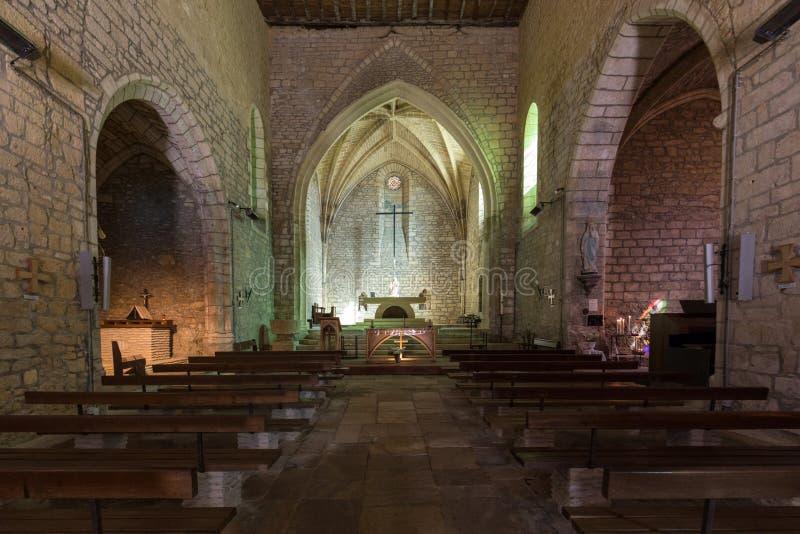 Nef et autel principaux dans l'église du saint Catherine dans Carlux Vall?e de Dordogne, l'Aquitaine, France image stock