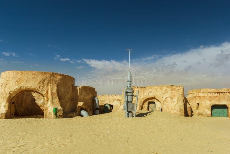 NEFTA ТУНИС - пейзаж кино 19-ое сентября первоначально для Звездных войн снимает новую надежду около города в пустыне Сахары сент стоковое фото rf