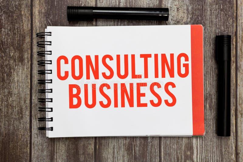 Negócio de consulta do texto da escrita da palavra O conceito do negócio para peritos da empresa de consulta dá o conselho profis foto de stock