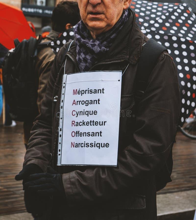 Negatives acrpnyme Macron am Protest lizenzfreie stockfotos