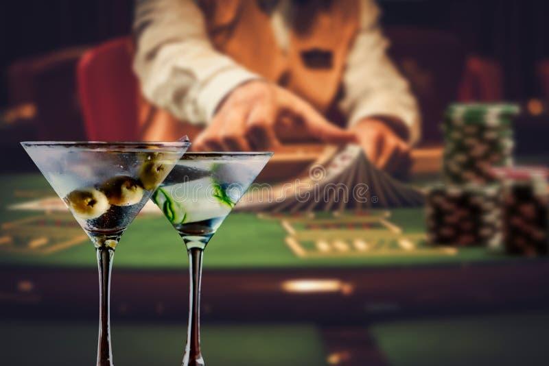 Negociante do vinte-e-um de Martini fotos de stock