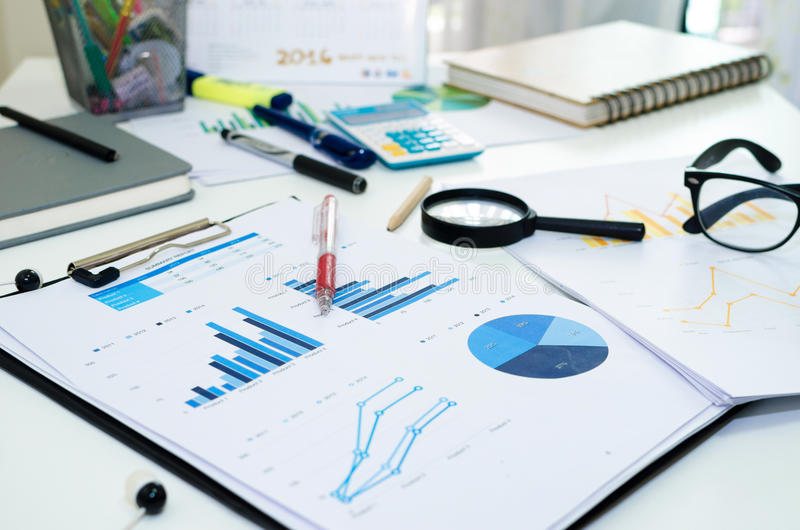 Download Negocio Del Gráfico De Las Estadísticas Foto de archivo - Imagen de pluma, diagrama: 64207628