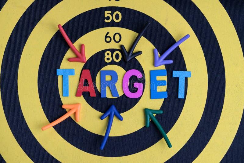 Negocio que apunta el plan de la blanco o de la meta para el concepto del éxito, c multi imagenes de archivo