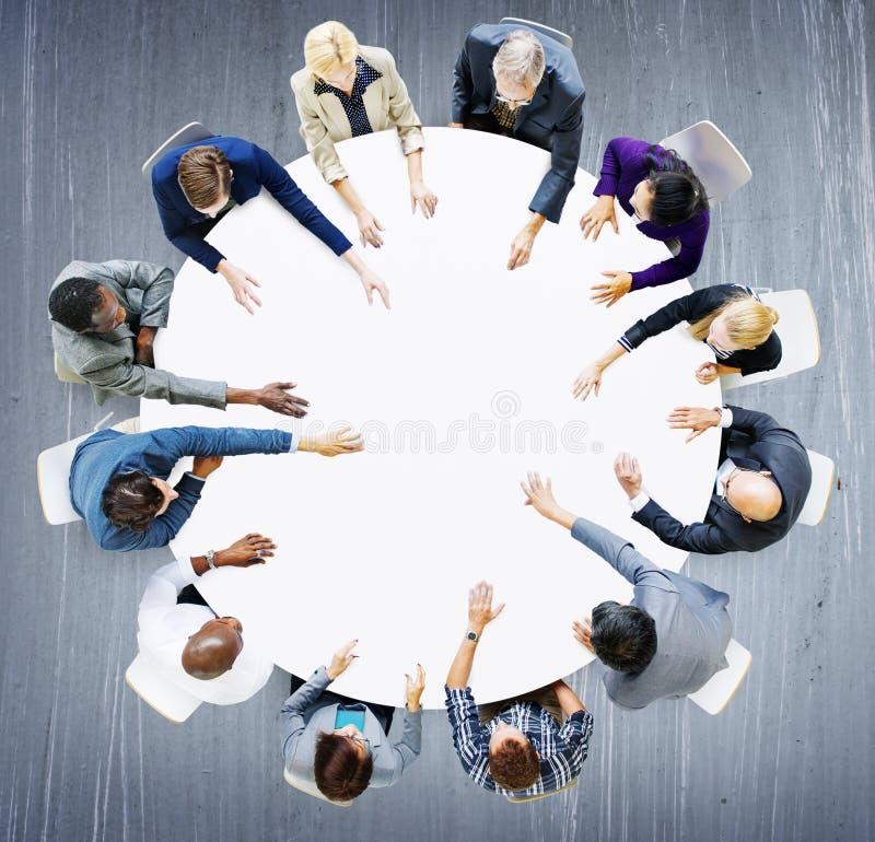 Negocio Team Discussion Meeting Analysing Concept imagen de archivo libre de regalías