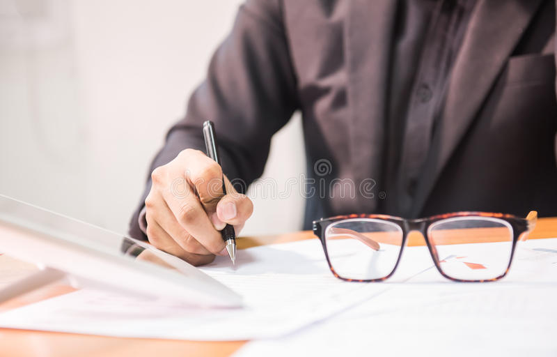 Negocio y trabajo en oficina imagen de archivo libre de regalías