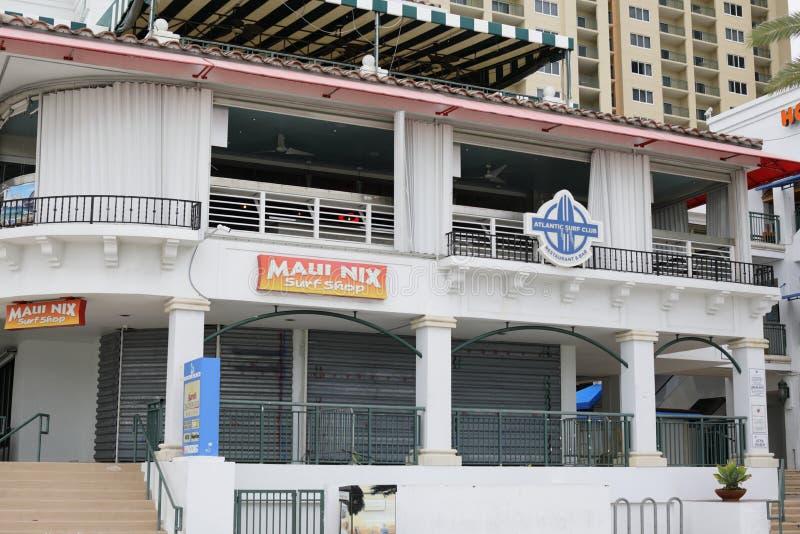 Negocios subidos para arriba para el huracán Matthew foto de archivo