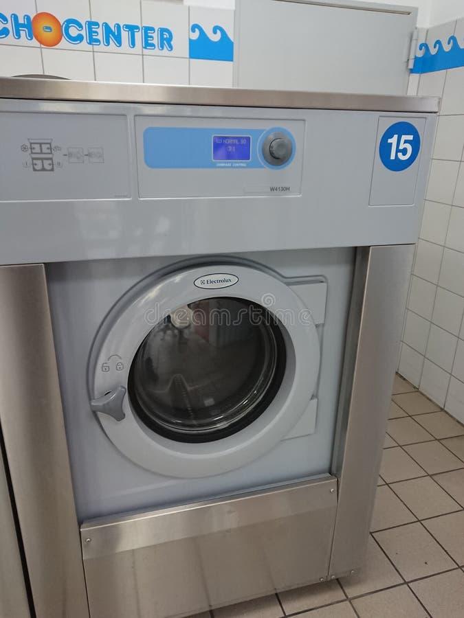 Negozio della lavanderia fotografia stock libera da diritti