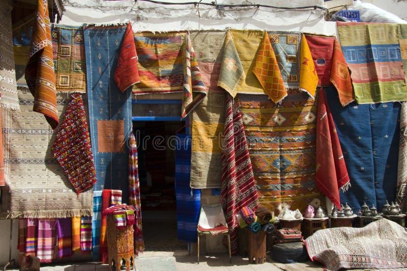 Negozio della moquette, Essaouira fotografia stock libera da diritti