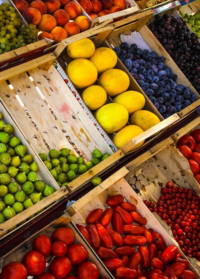 Negozio della verdura e della frutta fotografia stock