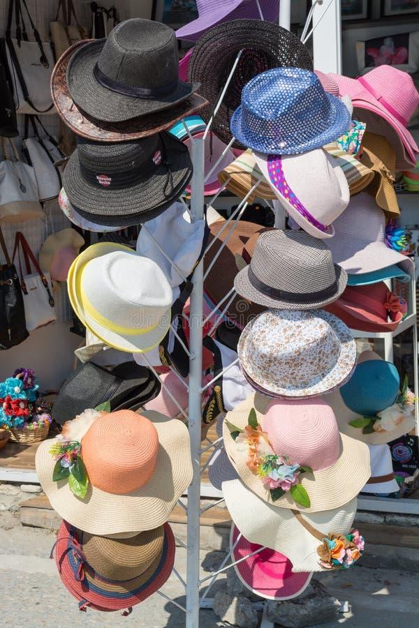 Negozio della via del cappello, Varna, Bulgaria fotografie stock libere da diritti