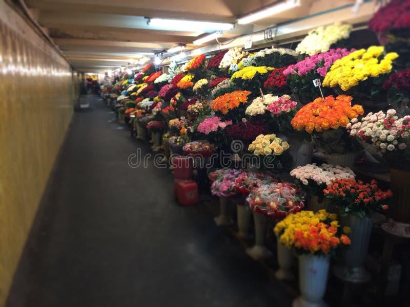 Negozio di fiori in sotterraneo fotografie stock