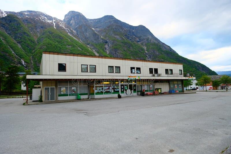 Negozio di Joker in un Eidfjord Joker è una catena di supermercati norvegese in collaborazione con Norgesgruppen fotografie stock libere da diritti