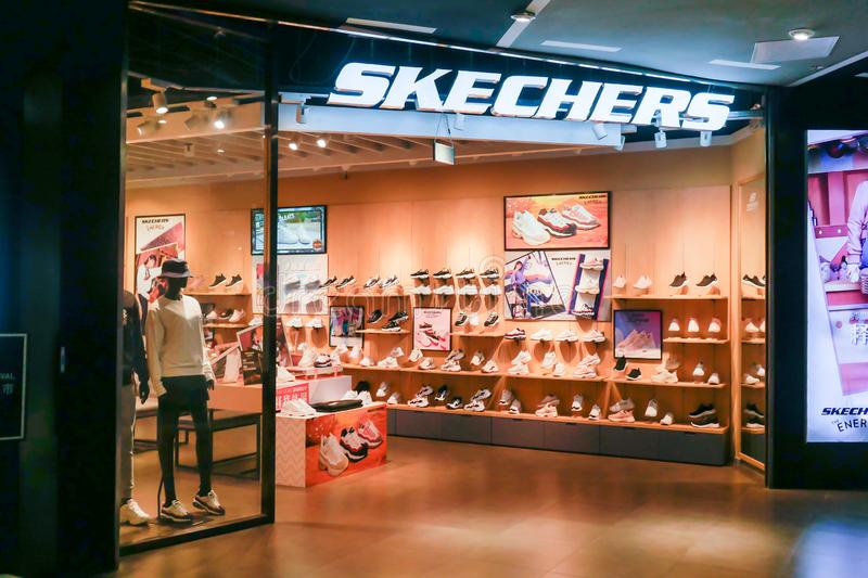 Skechers Calza Il Logo Di Marca Immagine Stock Editoriale