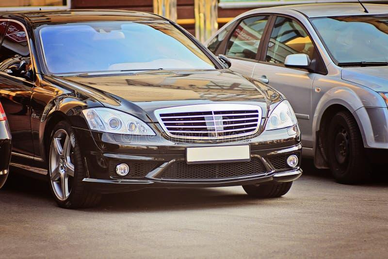 Negro de lujo del coche del asunto foto de archivo libre de regalías