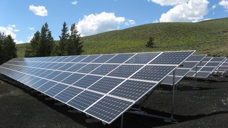 Negro y los paneles solares de la plata imágenes de archivo libres de regalías