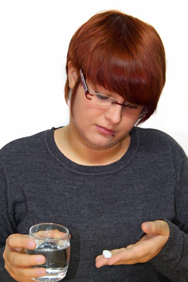 Nehmen des Medikaments stockbilder