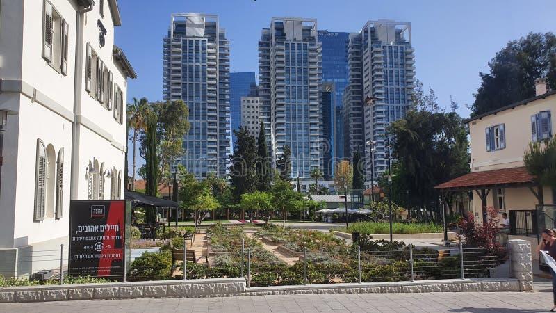 Neibourhood di Sarona a Tel Aviv urbana concentrare Israele fotografia stock libera da diritti