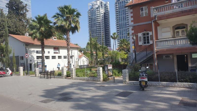 Neibourhood en el centro Tel Aviv urbana Israel de Sarona foto de archivo