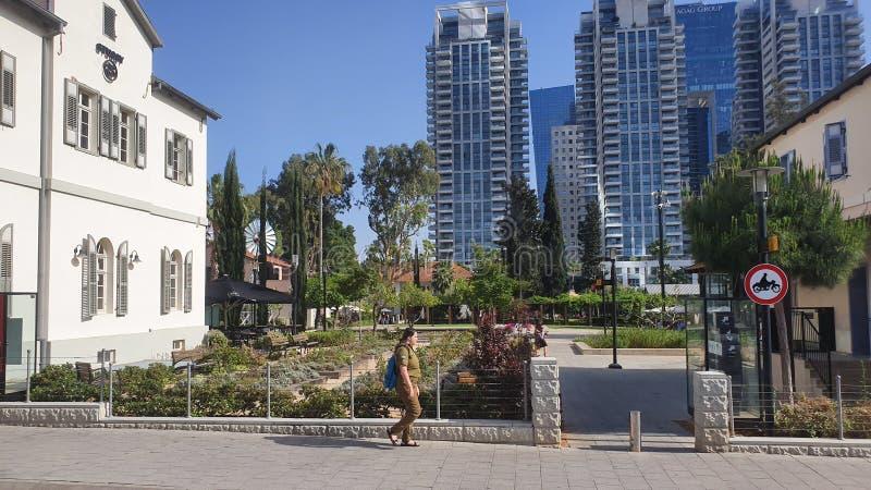 Neibourhood no centro Telavive urbana Israel de Sarona imagens de stock