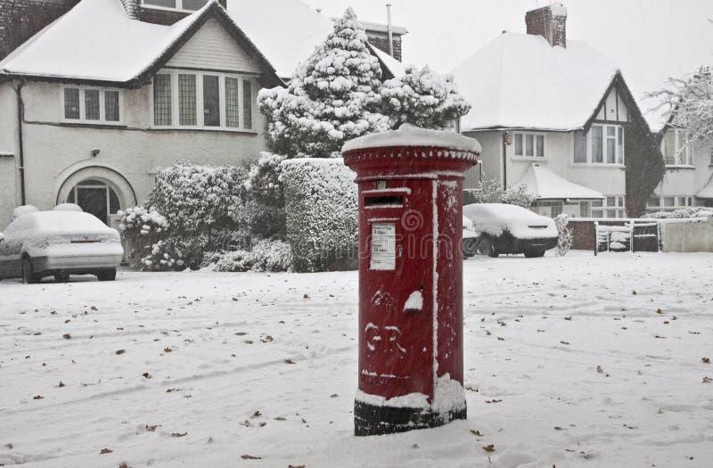 Neige dans la rue de Londres photographie stock libre de droits