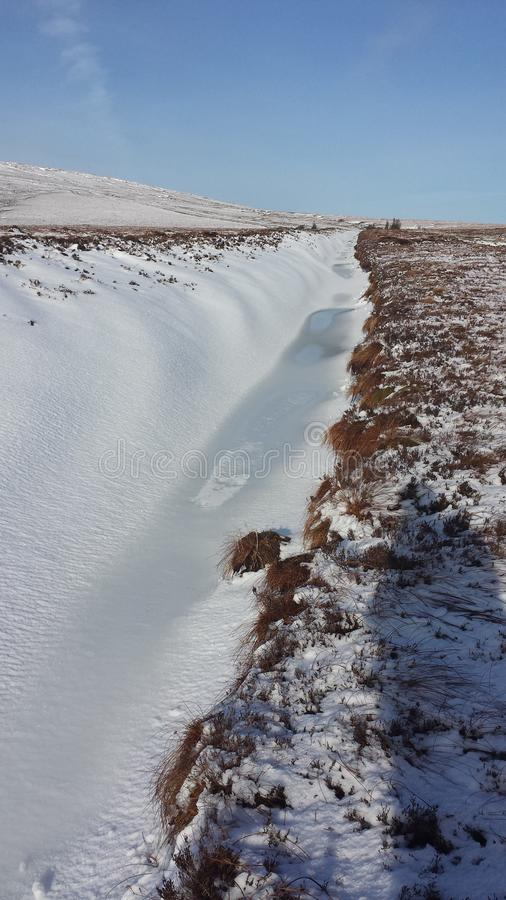 Neige dans la vallée photos stock