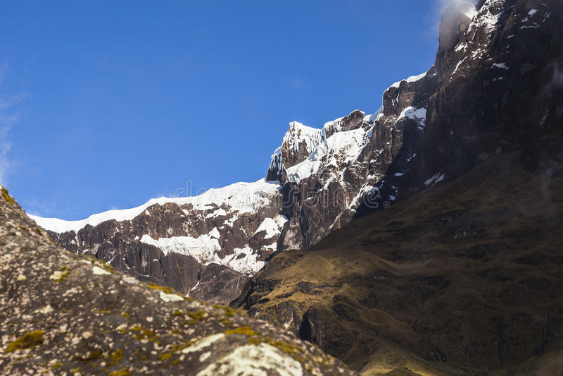Neige et roches en volcan d'autel d'EL photographie stock