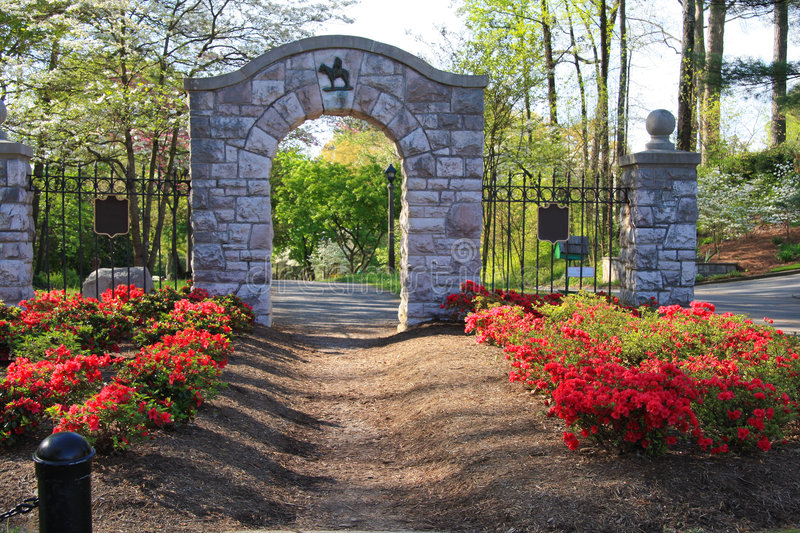Download Neighborhood Entrance stock photo. Image of monument, knoxville - 9087418