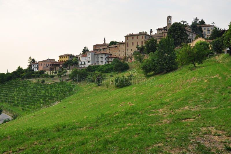 Neive Langhe region Piemonte Italien royaltyfri bild