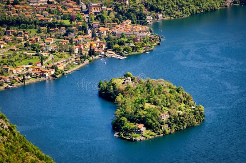 Nel Lago di Como de Isola Comacina foto de archivo