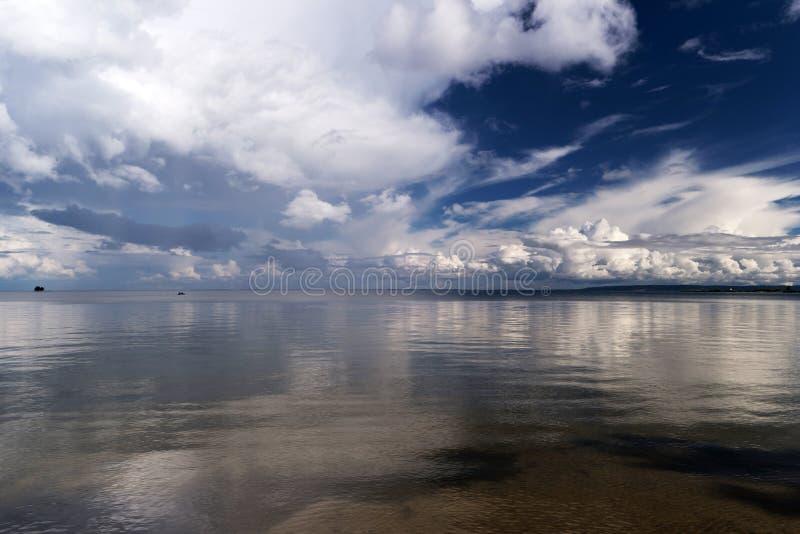 Nel lago Vättern fotografie stock