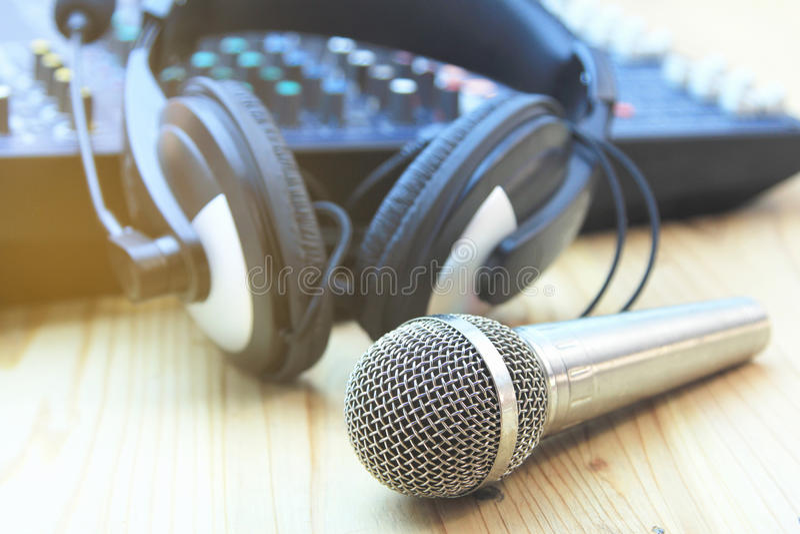 Nel sistema di audio della sala di controllo Filtri dalla foto e stile d'annata immagine stock