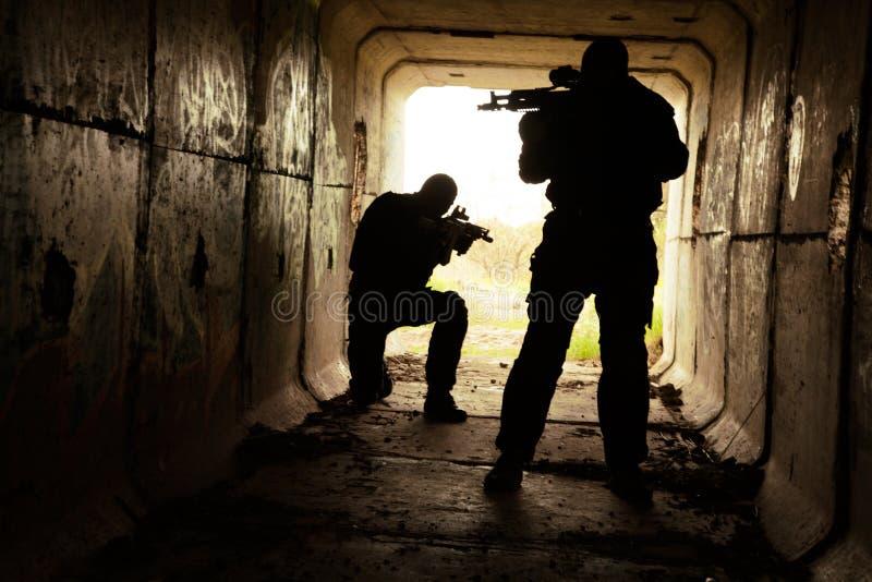 Nel tunnel del tunnel fotografia stock