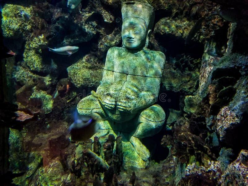 Nell'ambito della scultura dell'acqua immagine stock libera da diritti