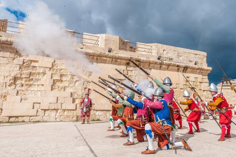 Download Nella Parata Di Guardia Ai Cavalieri Della St Jonh In Birgu, Malta Immagine Stock Editoriale - Immagine di garrison, storico: 55360609