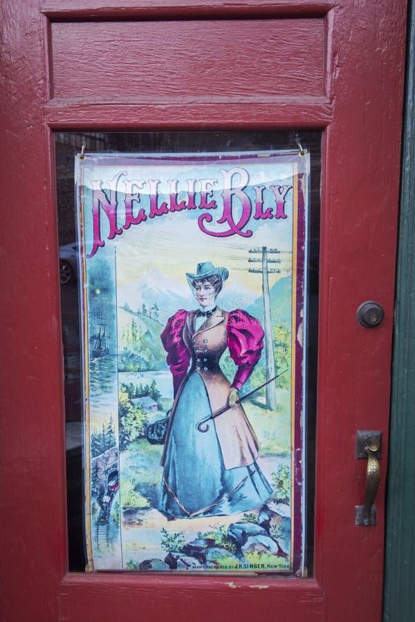 Nellie Bly kalejdoskopu sklepu Wejściowego drzwi Jerome Arizona Rysunkowy usa zdjęcia royalty free