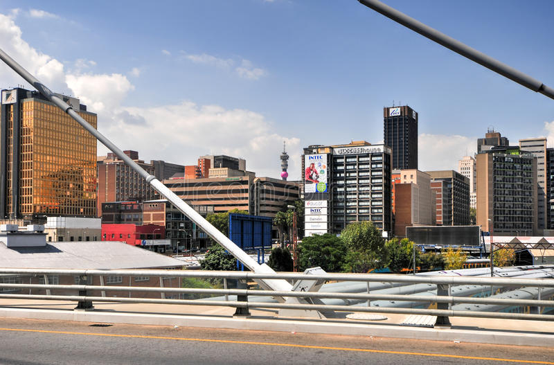 Nelson Mandela Bridge - Johannesburgo, Suráfrica imagenes de archivo