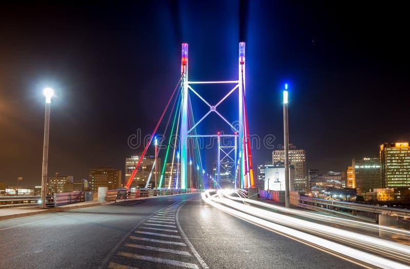 Nelson Mandela Bridge - Johannesburgo, Suráfrica foto de archivo libre de regalías