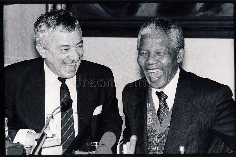 NELSON MANDELA MIT UFFE ELLEMANN-JSEN_DK stockfotos